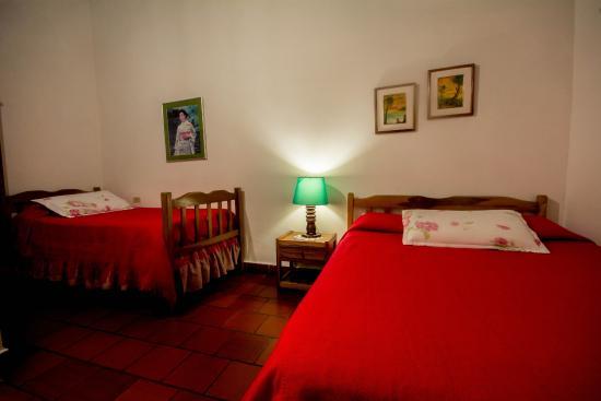 Foto de la posada familiar san gil habitaci n 1 m ximo for Habitacion familiar medellin