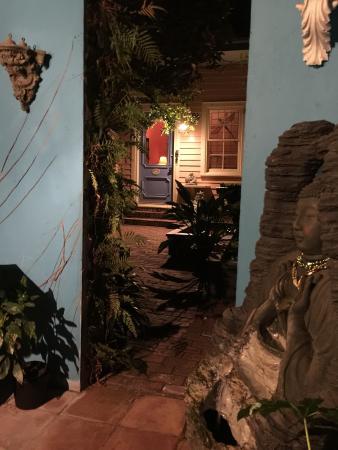 B&W Courtyards : The courtyard