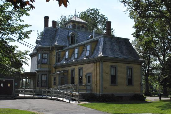Beaconsfield Historic House : Beaconsfield