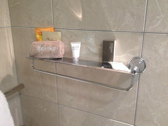 B-K's Palmerston North Motor Lodge: Nice touches in the bathroom