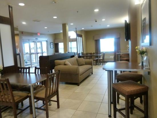 Microtel Inn & Suites by Wyndham Marietta : Lobby