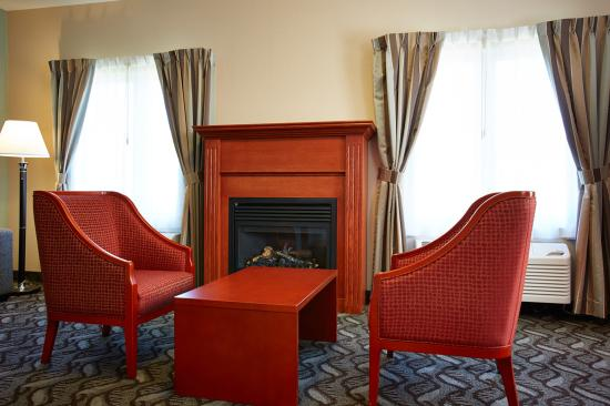 Quality Inn : Room With Fireplace