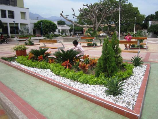 Foto de paseo vallenato tour day tours valledupar for Jardin principal location