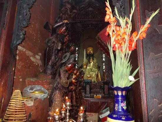 Emperor Jade Pagoda: Some interesting statues in Chua Phuoc Hai Tu (Jade Emperor Pagoda)