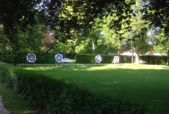 Lautrach, Germany: Ansichten des Gartens...