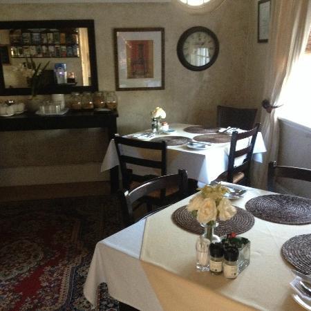 Burns Bed & Breakfast : Breakfast room