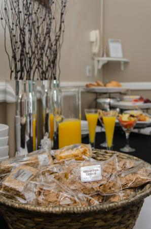 Brighton Lodge Guest House: Continental Breakfast Buffet