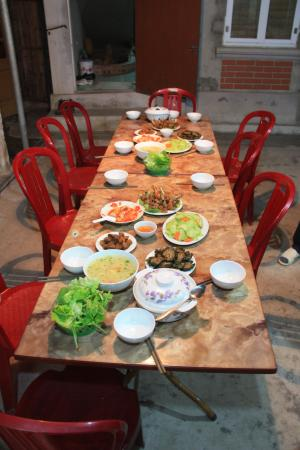 Foto di hong phong immagini di hong phong ninh binh province tripadvisor - Monter une table d hote ...