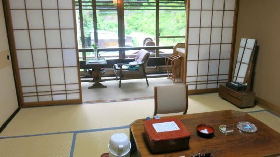 Yusaya Ryokan : 和室