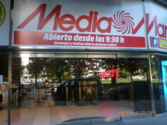 Centro Comercial Castellana 200