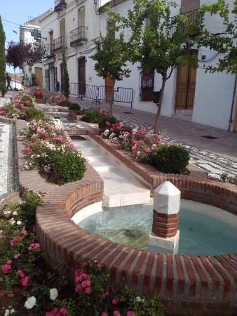 Estepona, España: bellissimo scorcio del casco antico.