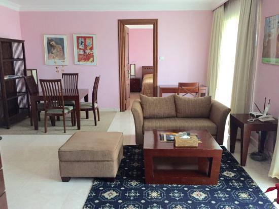 Oktroi Plaza Serviced Apartment