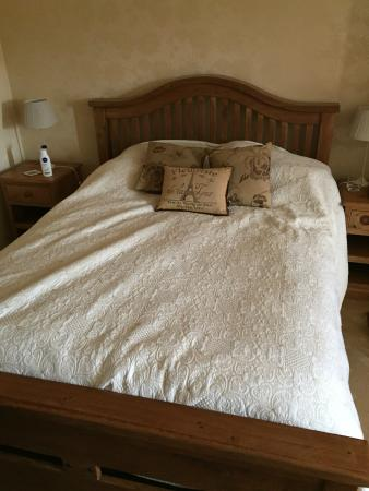 Elmfield House: Gorgeous comfy bed