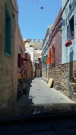 Al-Fanar Auberge: Road leading to Al fanar