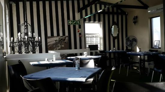 Loco Lounge: Upstairs