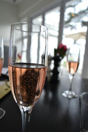 Rose Brut Champagne