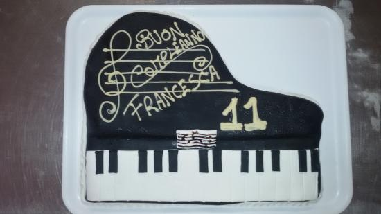 Bar Rocca: torta compleanno artigianale