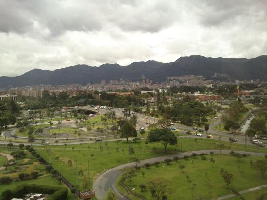 TRYP Bogota Embajada Hotel: Hermosa zona, muy segura.