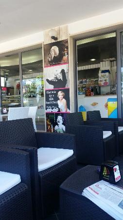 Oasi's Cafe