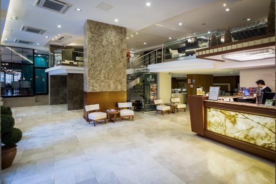 Orka Royal Hotel: Lobby