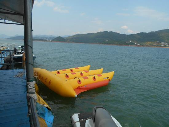Zixing, Cina: Activities at the lake