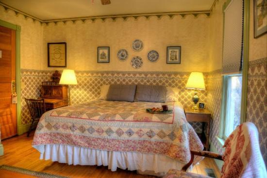 Parish House Inn: Room 3 as a king