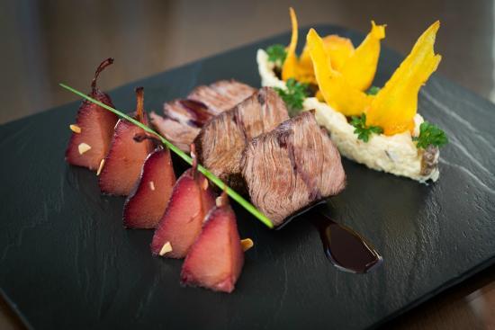 Galani Restaurant: Chateaubriand ao Roquefort com peras caramelizadas ao vinho tinto