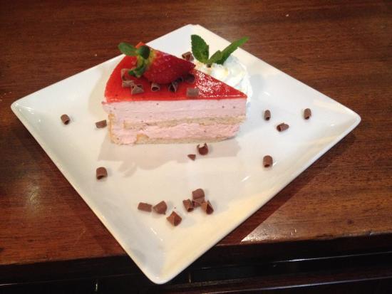 Foto de au bureau le mans les desserts du chef sont exquis d