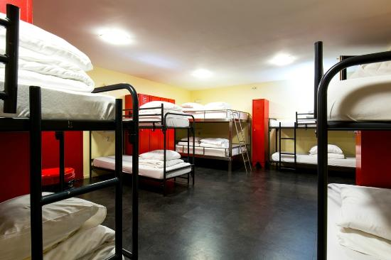The Bulldog Hotel: Dormitory
