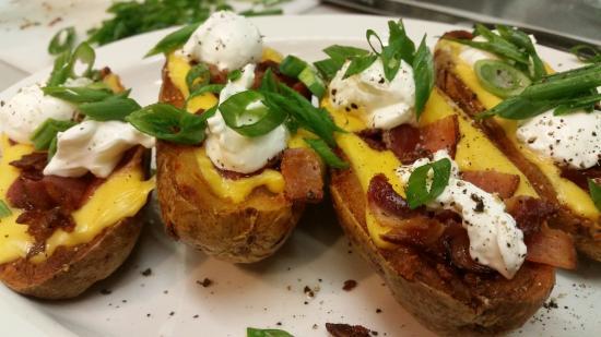 Bay 5 Diner: Gourmet potato skins