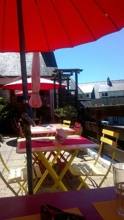 La potion magique : Déjeuner agréable en terrasse en hauteur.