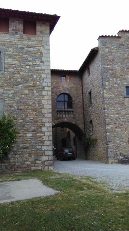 Castello di Montegiove: The castle