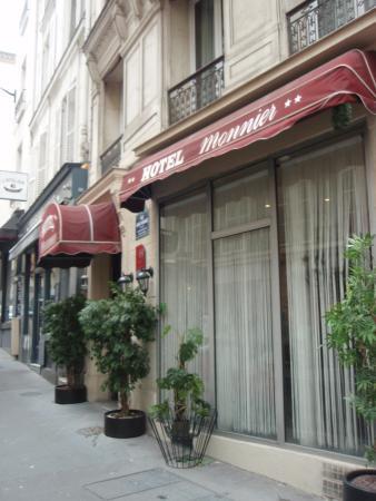 Hotel Monnier : ホテルの入り口です