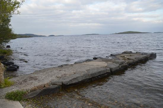 Lakeshore House B&B: Just yards from the B&B, the jetty on the banks of Lough Corrib