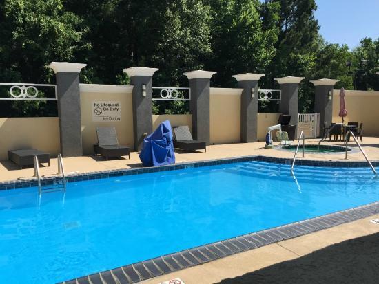 Hampton Inn Leesville/Ft. Polk: View of the pool