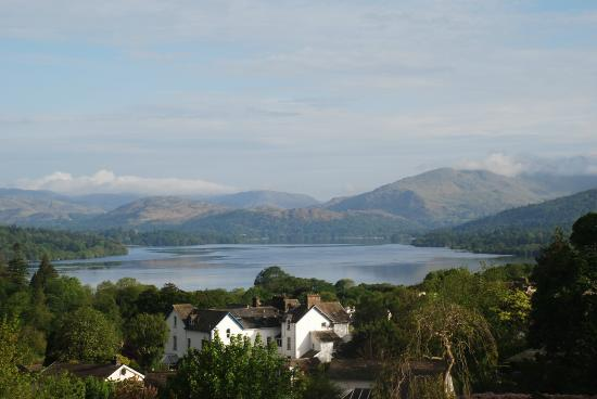 Blenheim Lodge: morning view from bedroom