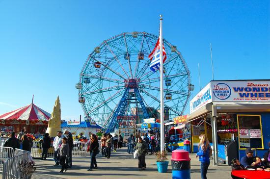 Luna Park at Coney Island : la grande roue de coney island