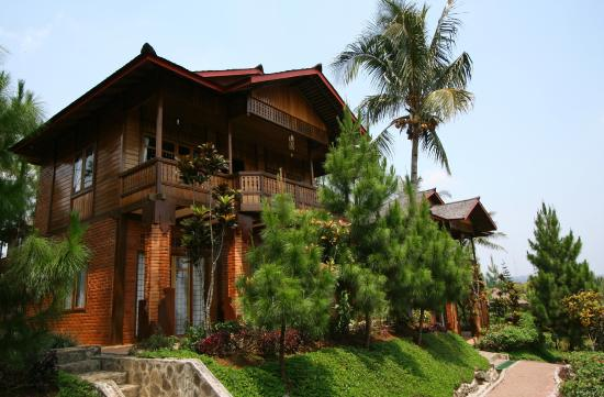 Jambuluwuk Ciawi Boutique Resort