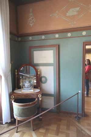 Cabinet de toilette de Joséphine - Picture of Chateau de Malmaison ...