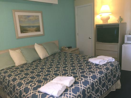 Beau Rivage Motel: Newly Renovated King