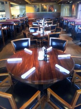 J Alexander's Restaurant: dining room