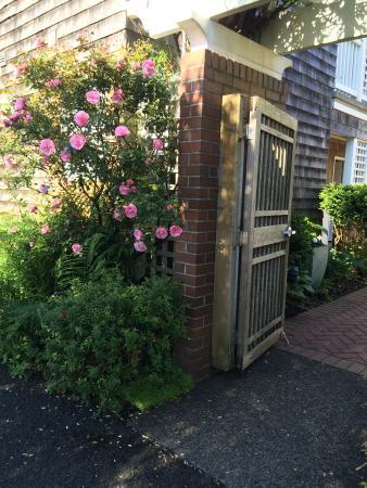 The Courtyard: quaint entrance