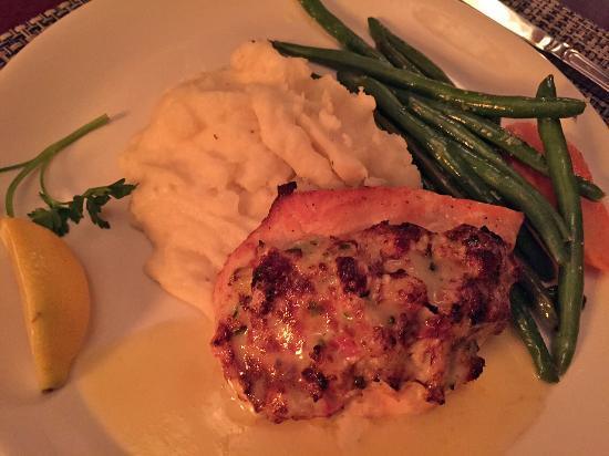 McCormick & Schmick's Seafood - Park Plaza : Stuffed Atlantic Salmon