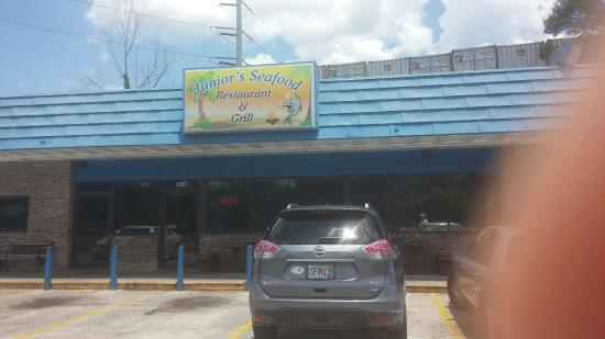 Junior's Seafood Restaurant & Grill