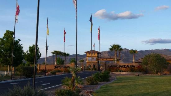 Spring Mountain Motor Resort and Country Club: Welcome