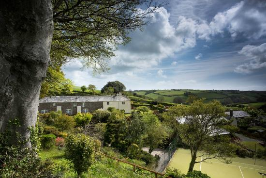 Higher Bowden Holiday Cottages: Spectacular location on a south facing hillside