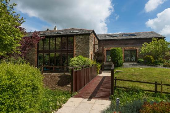 Higher Bowden Holiday Cottages: Games and swimming pool complex
