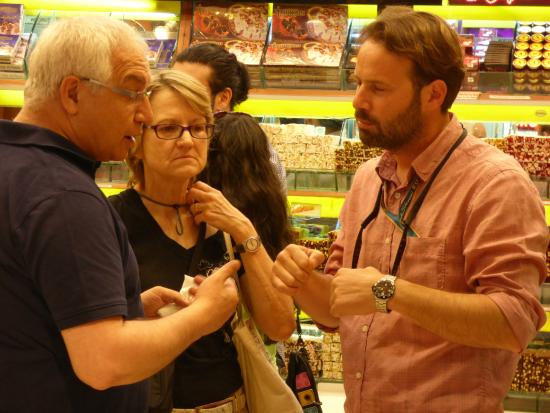 Istanbul Tour Guides - Day Tours : Taylor knows the expert who understood Teri's questions about spices
