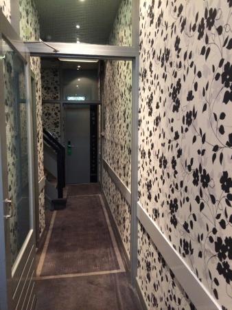 Hotel Hermitage Amsterdam : Cuidado escadas pequenas íngremes e difíceis de subir com malas!