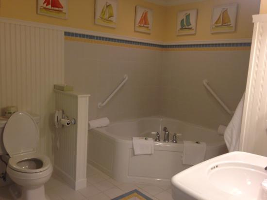 Anchorage Inns & Suites: Bathroom sea coast sands suite beautiful